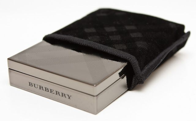 Packaging ombretti Burberry