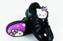 Le sneakers di Hello Kitty