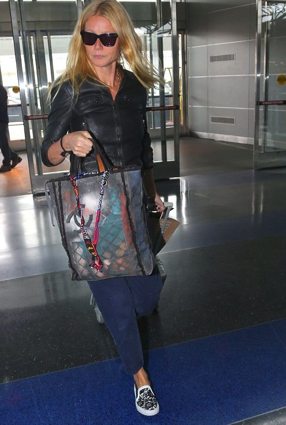 Gwyneth Paltrow con tote graffiti Chanel