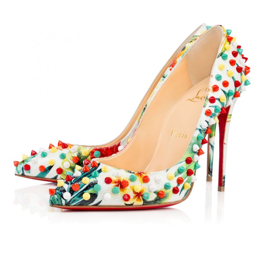 Pumps multicolor con borchie