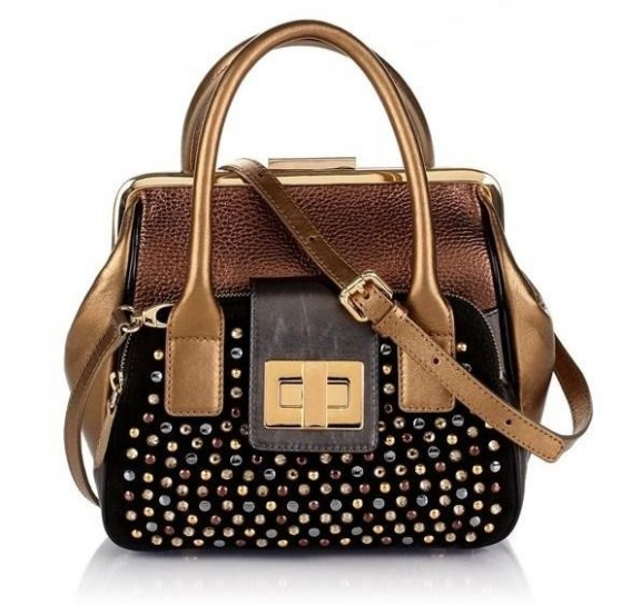 Handbag con borchie colorate
