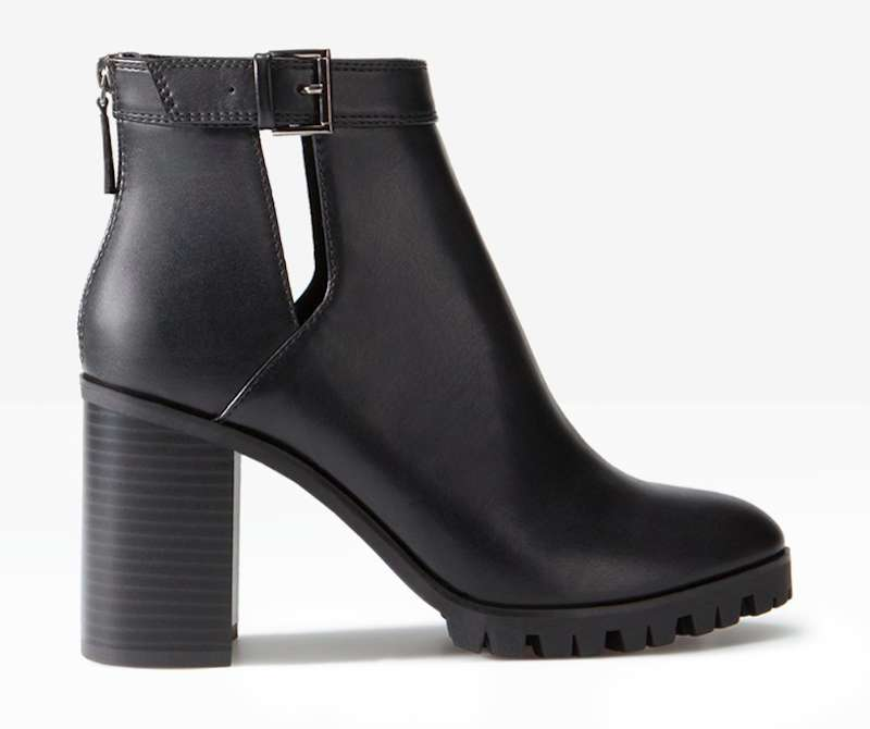 Ankle boots cut out neri