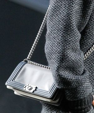 chanel inverno 2011 chain handbag
