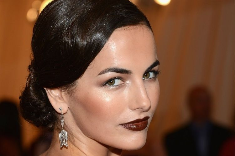 Camilla Belle rossetto bordeaux