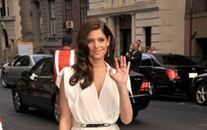 La clutch Ferragamo in pied de poule seduce Ashley Greene