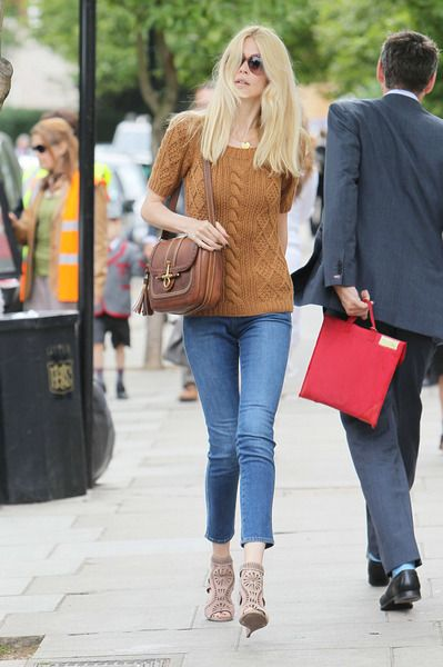 Borse Gucci: Claudia Schiffer con la it bag Snaffle bit, un look impeccabile!