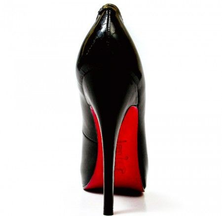 Christian Louboutin vs Yves Saint Laurent in difesa della Red Sole