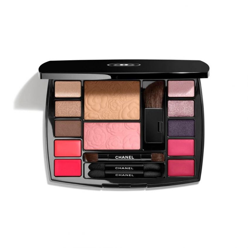 Travel make up palette Chanel