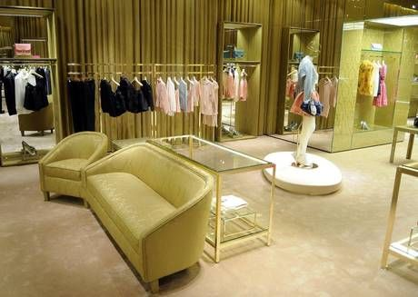 Miu Miu apre la sua nuova boutique di Houston, all'interno del department store Galleria
