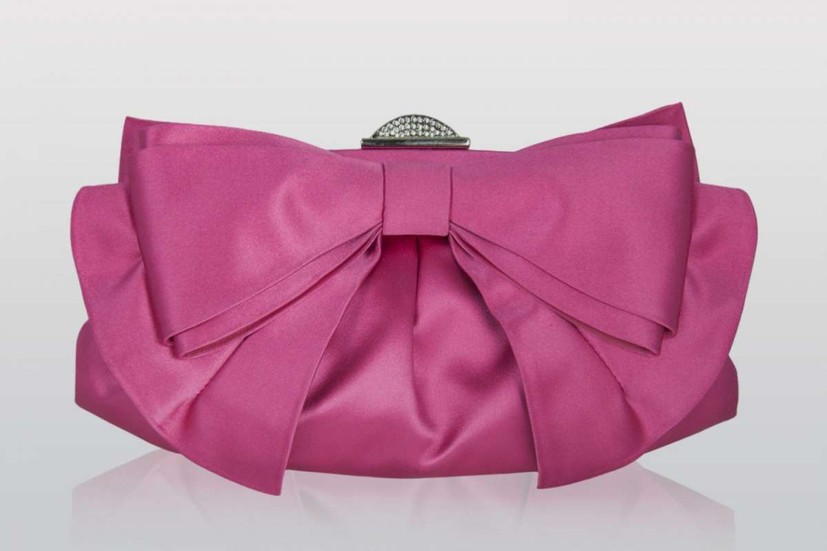 Clutch satin rosa intenso con fiocco