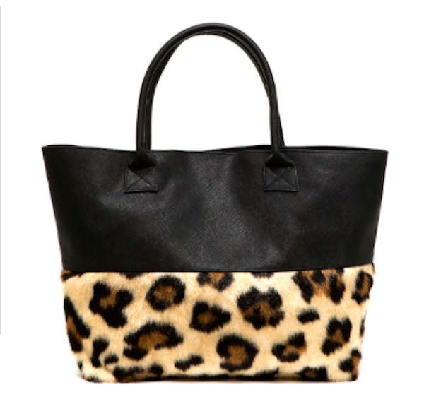 Shopping bag nera con fascia animalier in pelliccia