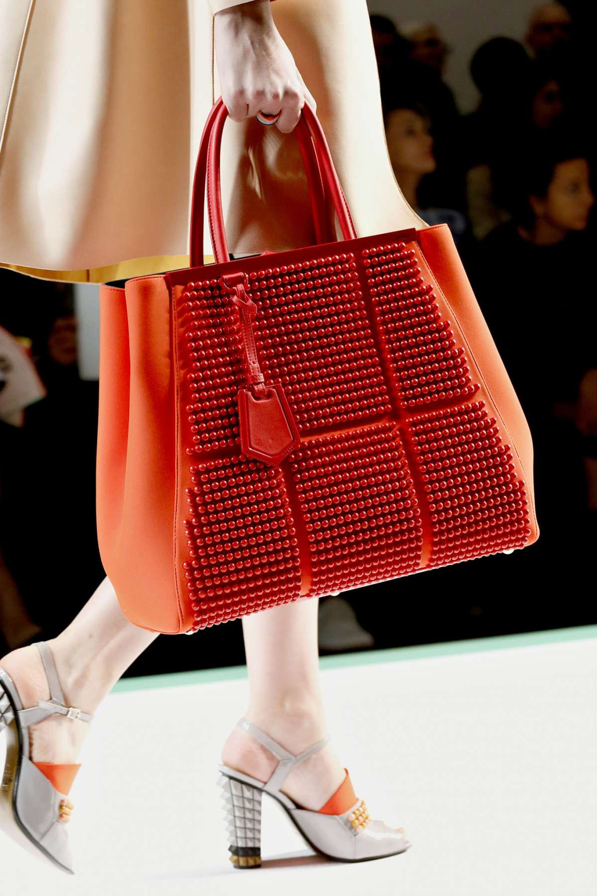 Fendi 2Jours bag rossa con gommini