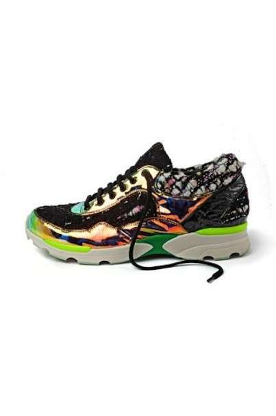 Sneakers stampa fluo Chanel