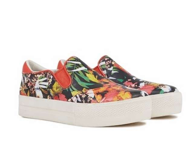 Slip on tropical Ash