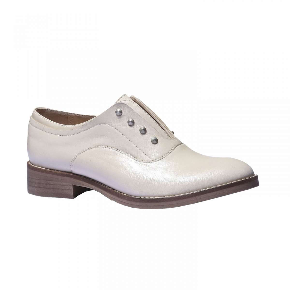 Brogue cipria Bata