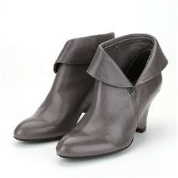 ankle boots jeffrey campbell