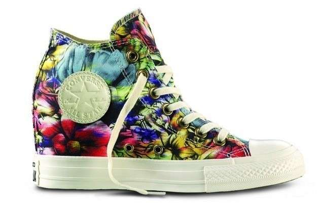 Sneakers con zeppa a stampa floreale Converse