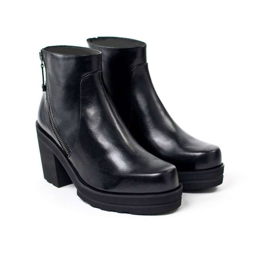 Ankle boot platform