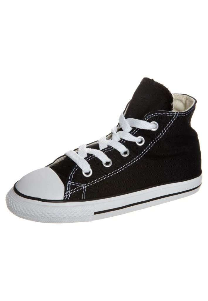 Chuck Taylor nere