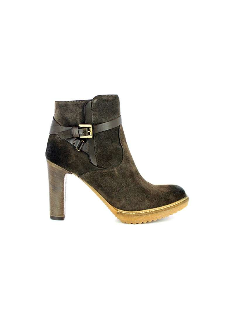 Ankle boot in crosta