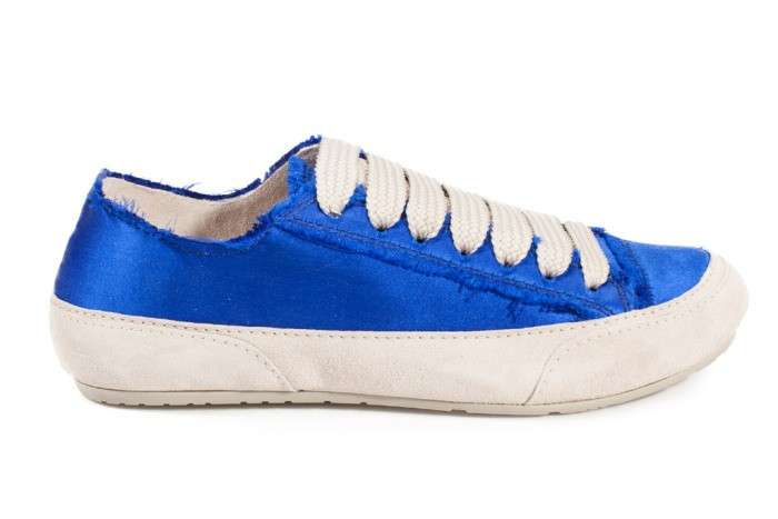 Sneakers in satin blu