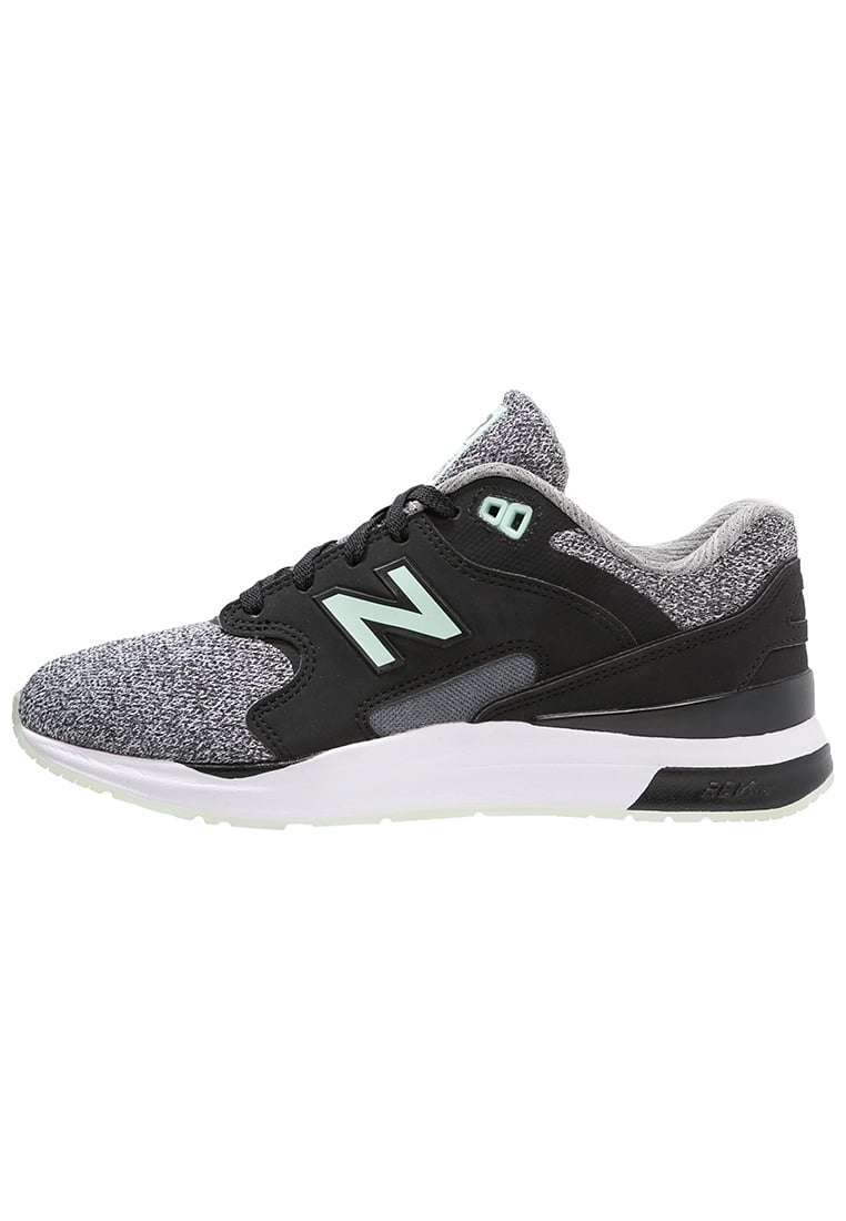 Sneakers New Balance nere e grigie