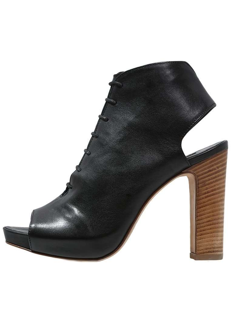 Ankle boot neri Janet and Janet