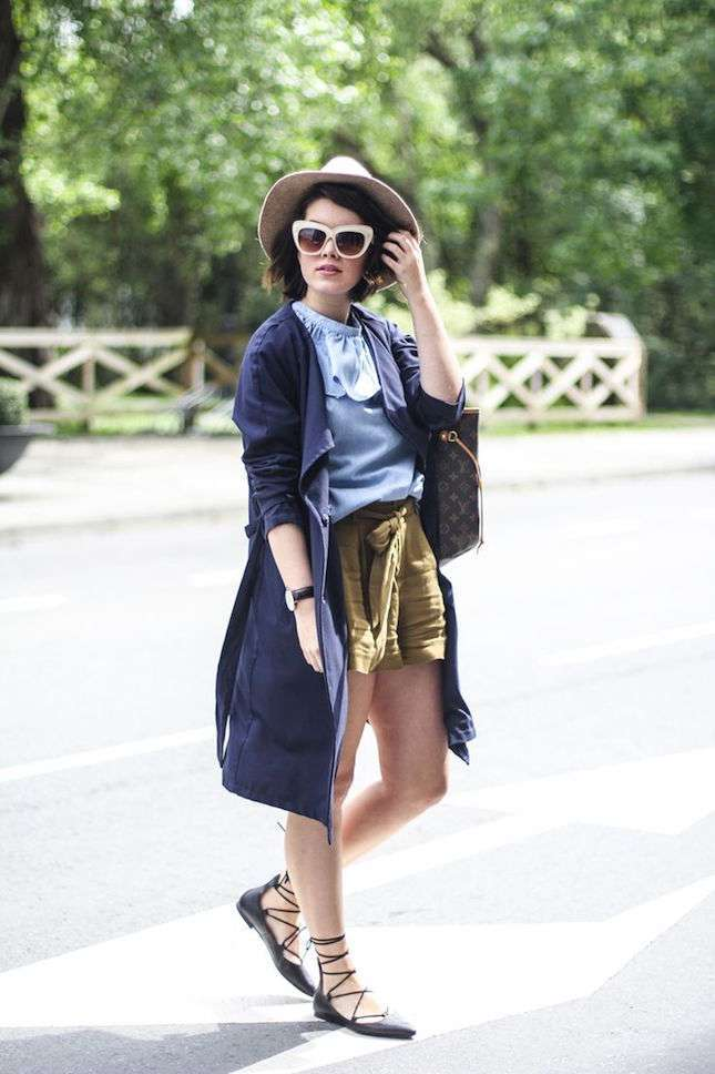 Shorts e trench con ballerine lace up