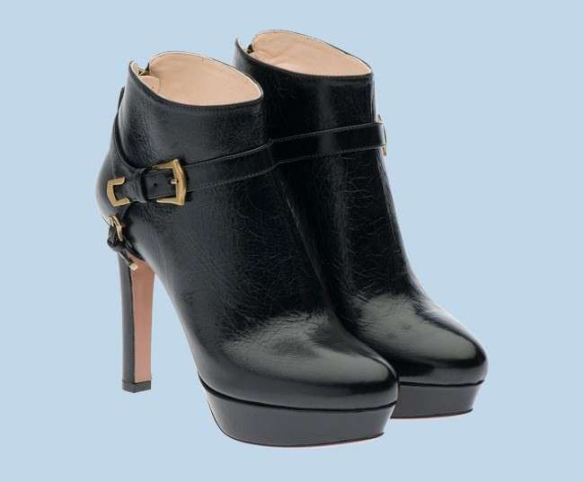 Prada, ankle boot in pelle nera
