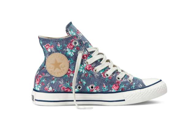 Sneakers denim con fiori