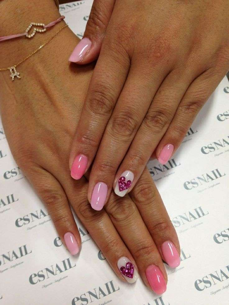 Degradé nail art con cuore