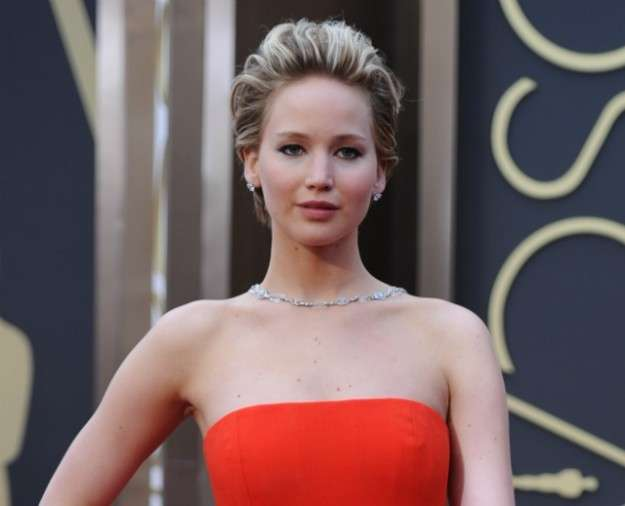 Pettinatura all'indietro per Jennifer Lawrence
