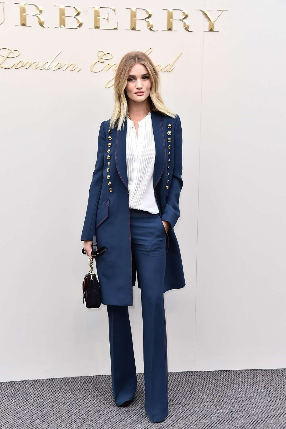Look di Rosie Huntington-Whiteley