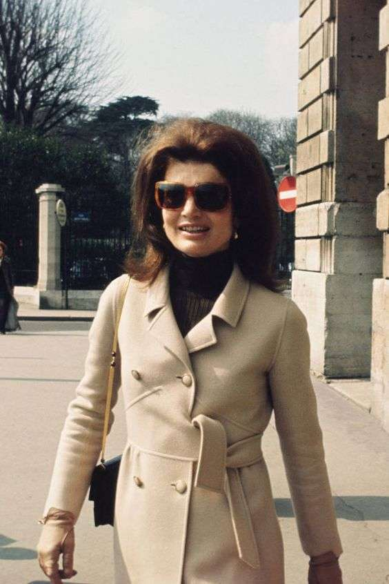 Cappotto beige per Jackie Kennedy