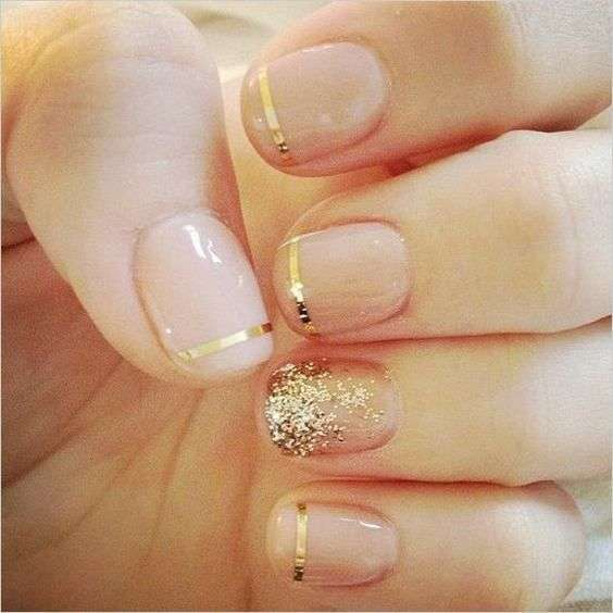 French manicure dorata