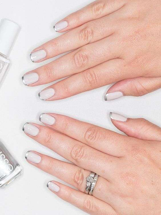 French manicure metallizzata