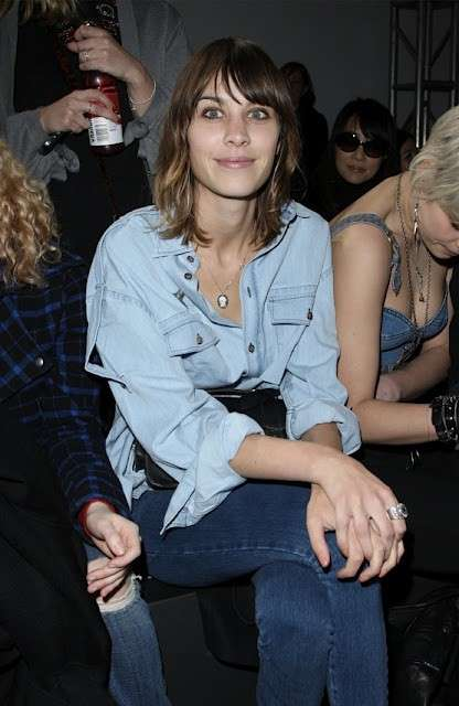 Outfit Alexa Chung in total denim