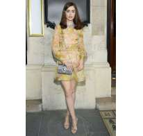 Look di Lily Collins